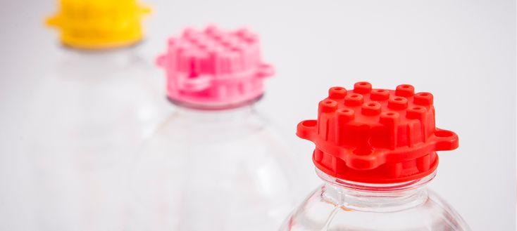 Solução sustentável - tampinhas de garrafa são peças de montar - Assuntos Criativos