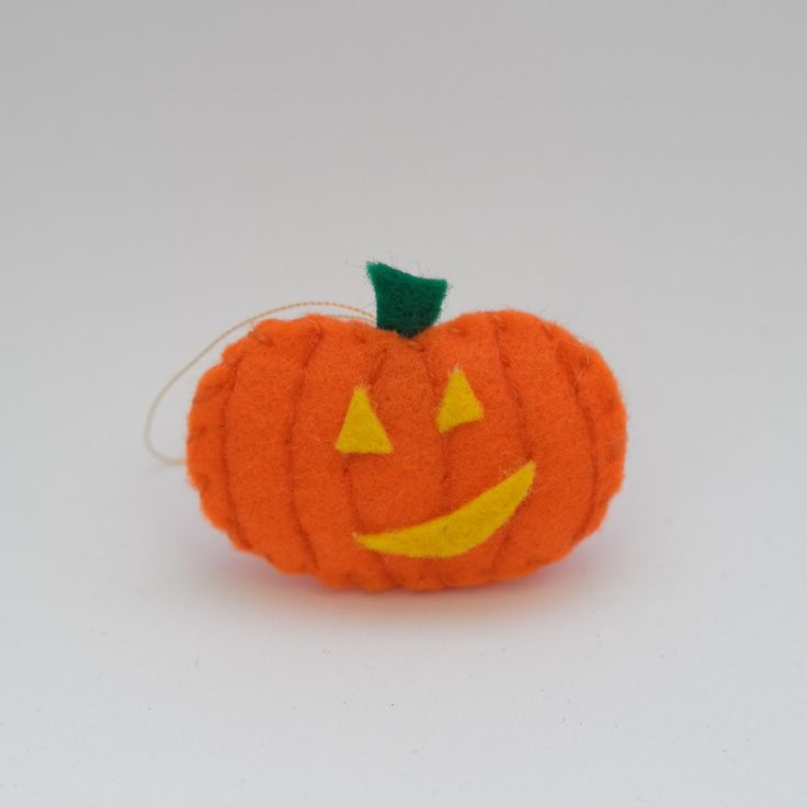 Smiling pumpkin - halloween decor, trick or treat, scary, horror, spooky, halloween decoration, cute. by HalloweenOrChristmas on Etsy