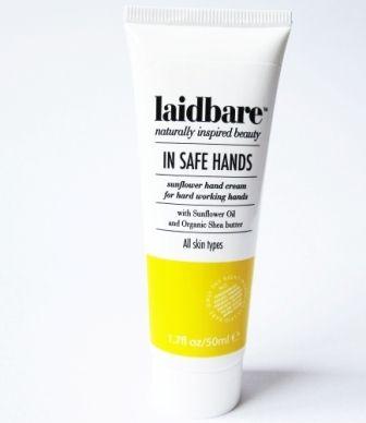 LAIDBARE DIY! Two In One Cleanser & Toner -  gel + tônico adstringente para limpeza facial com ação cicatrizante e anti-bactérias. Contém extrato de alcaçuz, aloe vera, castanha do pará e maça. Remove maquiagem, indicado para todos os tipos de pele. Vende online, perfumarias e farmácias do UK. Preço Médio: £6. #cosmeticdetox #limpezafacial #tonico #cleanser #toner #Laidbare #crueltyfree