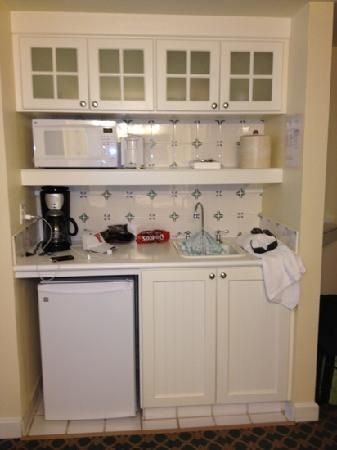 kitchenette | studio kitchenette - Picture of Disney's BoardWalk Villas, Orlando ...