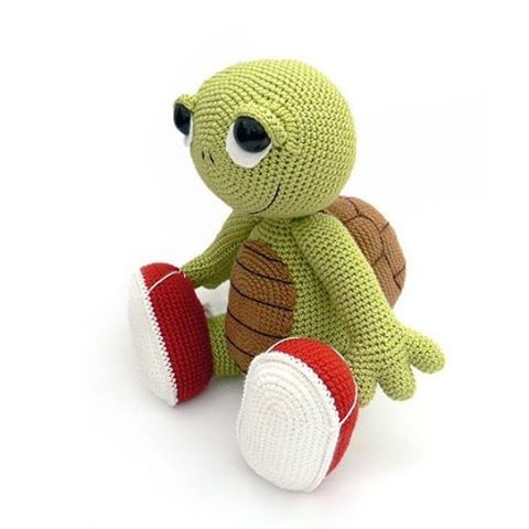 Otto the Turtle from the book #zoomigurumi2 . #amigurumi #crochet #amigurumilove…
