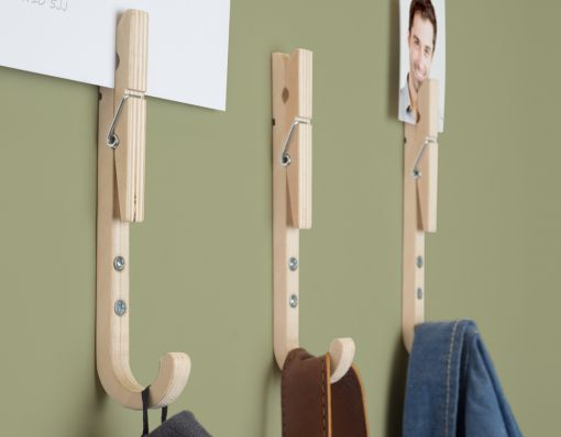 Jpegs/ These handy Jpegs are... you guessed it, hooks with pegs! Jpegs are quality wooden coat hooks with pegs so you post photos, notes or mail. They also contain a... http://shopfor20.com/product/jpegs/