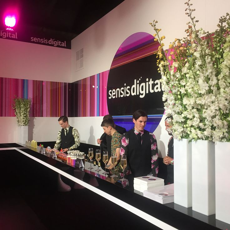 """22 Likes, 3 Comments - Paul Snell (@psnell1) on Instagram: """"#sensisdigitalmarquee looking fabulous with #darrenpurchese and #taylordayne #melbourecup2017…"""""""