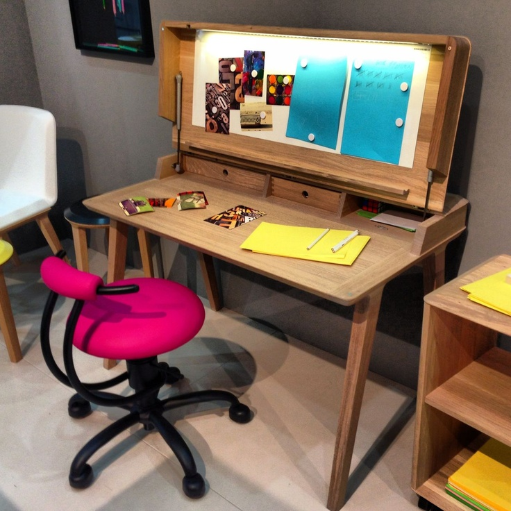 Spectacular office desk by Anrei