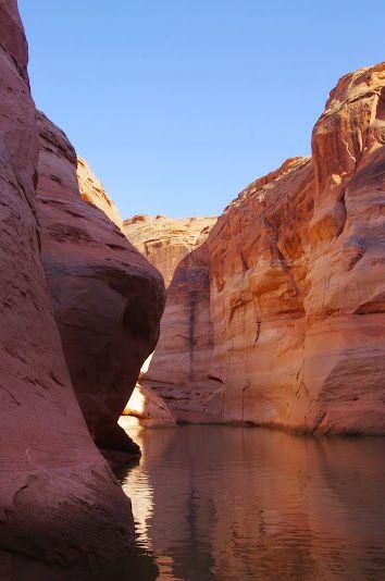 Croisière sur le Lac Powell à la découverte des canyons.