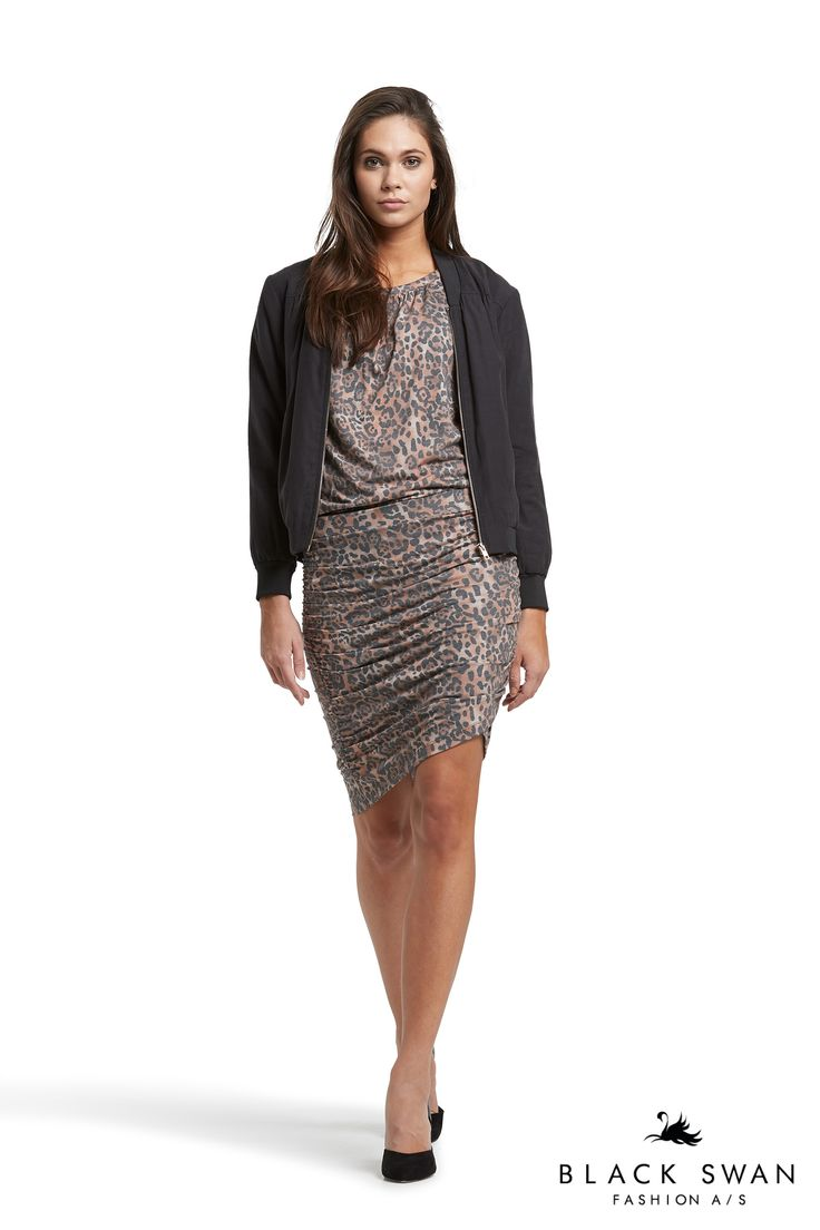 Cool leo skirt with wrap effect. Jeanna skirt Black Swan Fashion SS17