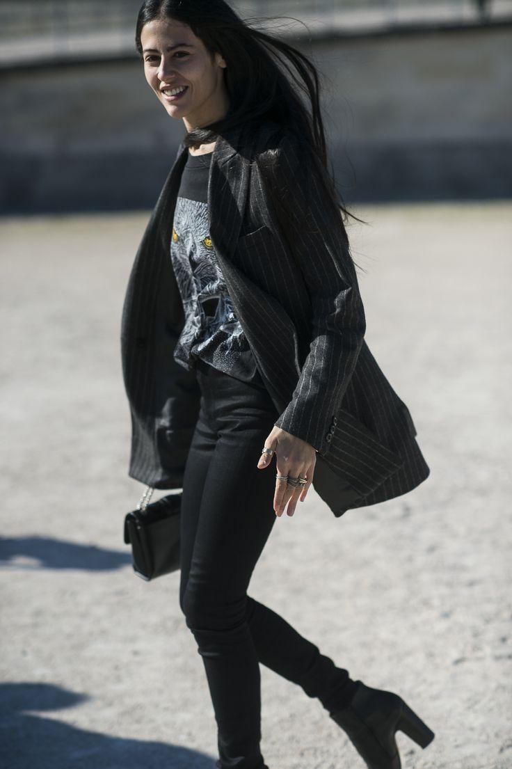 Bleu Mode Noir — Gilda Ambrosio / Paris http://bleumode.com/