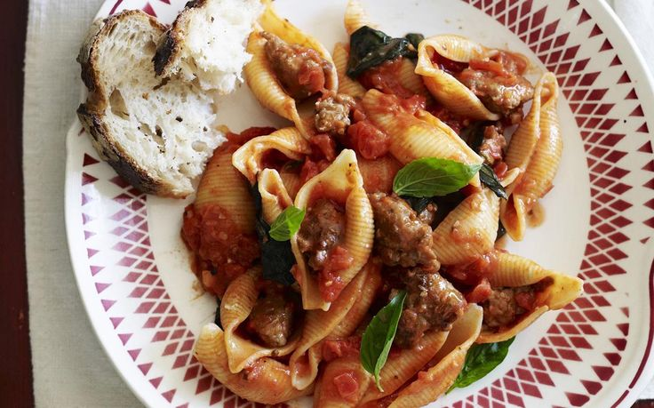 This recipe utilises the classic Italian technique of removing sausage meat from the casing before cooking. It makes for a tasty, succulent pasta with sausage meat in a savoury tomato sauce.