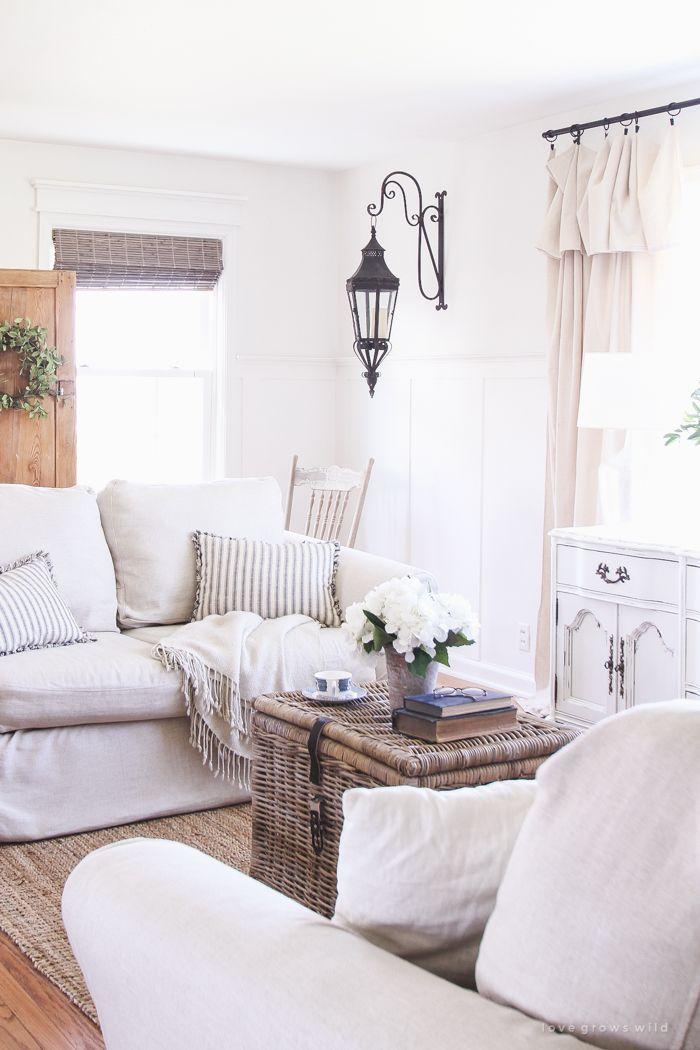 This beautiful, old farmhouse is ready for summer with fresh flowers, relaxed…