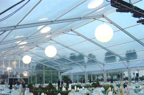 Clear Tent and Air Star Lights http://www.airstarcanada.com/events