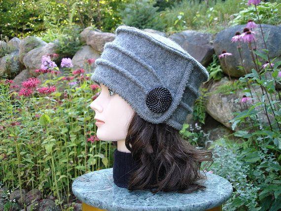 Chapeau gris avec bordure ourlet picot ton sur ton par knitvalley, $45.00