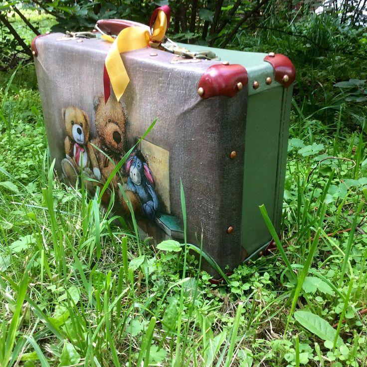 Купить Мишутки. Чемодан винтажный. - рисунок, чемоданчик, декор чемодана, винтажный мишка, винтажный чемодан