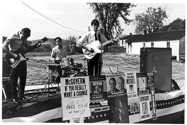 Witness the Death of the '60s in Ken Light's Era-Defining Photos | Mother Jones