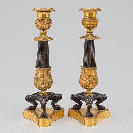 LJUSSTAKAR, ett par, senempire, 1800-tal.