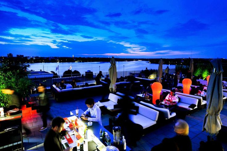 The Camparilounge roof terrace on the Alster in Hamburg
