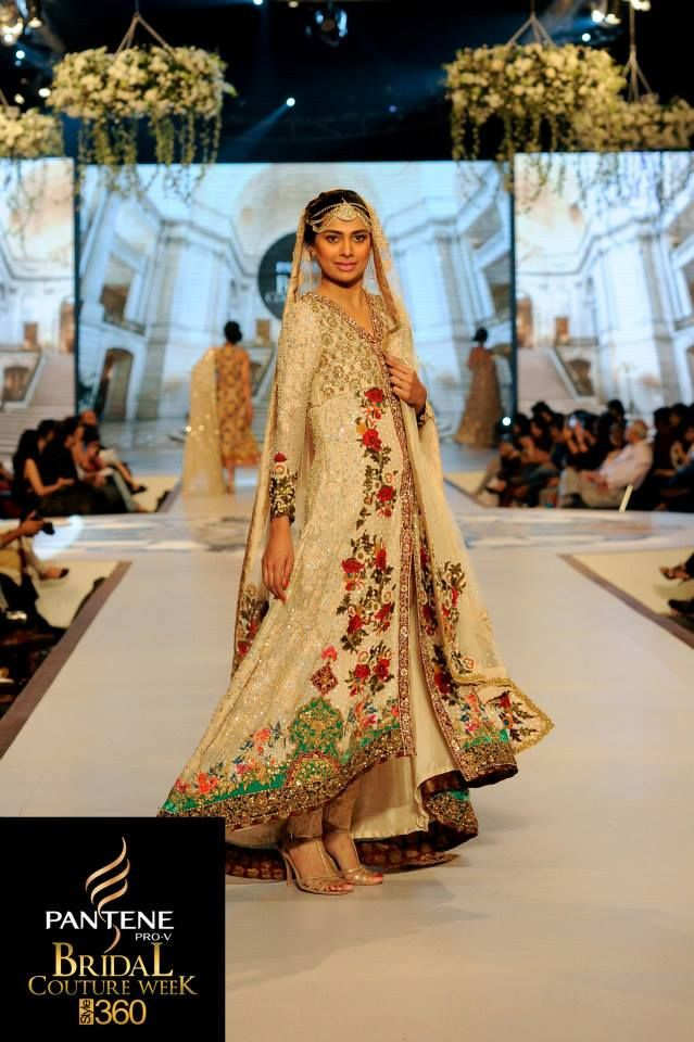 Tena Durrani - I LOVE floral prints! And for good reason too, see how beautiful this is!!