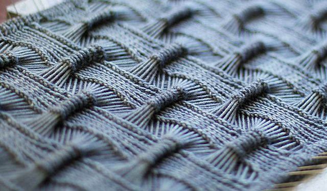 Love this drop stitch pattern.  Suke-Suke Cowl by Olga Buraya-Kefelian, pattern for purchase.