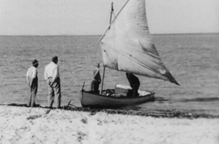 [Click to view film] Shark Bay, 1934 : a Claude Henriques film. More information on film content can be found on the SLWA Catalogue.  http://encore.slwa.wa.gov.au/iii/encore/record/C__Rb1390374__Sclaude%20henriques__P0%2C1__Orightresult__U__X6?lang=eng&suite=def