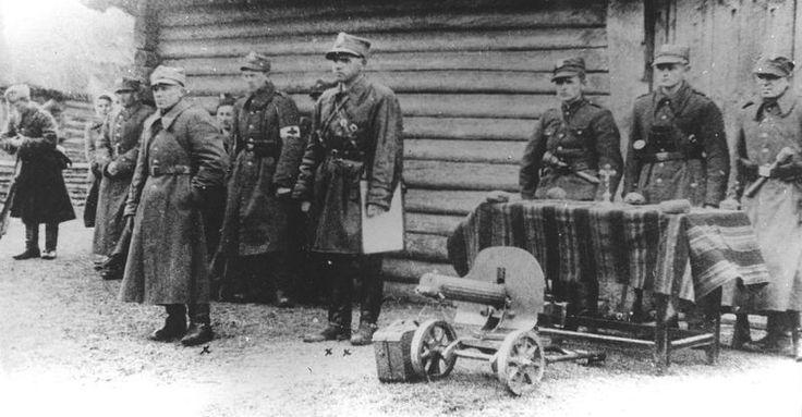 Okupant wymordował wieś znaną z pomocy partyzantom. W odwecie Armia Krajowa zorganizowała jedną ze swoich szczególnie brawurowych akcji. Szacuje się, że wokresie II wojny światowej Niemcy spacyfikowali ponad 800 polskich miejscowości. Wniektórych przypadkach wymordowana została niemal cała ich ludność. Symbol męczeństwa polskiej wsi stanowi spacyfikowana wdniach 12–13 lipca 1943 r. świętokrzyska wioska Michniów, wktórej Niemcy zastrzelili bądź spalili żywcem 204 osoby. Tragedia wioski…