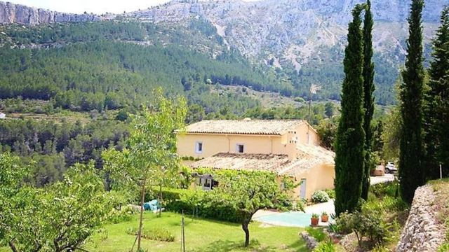 Country Finca For Sale Benissa Costa Blanca This Picture Perfect Finca Is Located Inland Approximately 15 20 Minutes Car Ride From The Busy Spanish Town Fincas