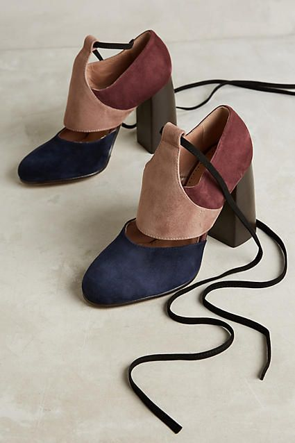Cool but subtle color-blocked heels. I love the laces and how much versatility they offer in terms of styles. x