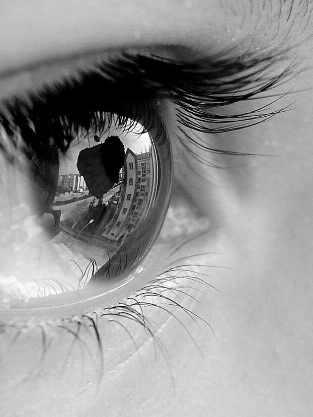Beautiful Eyes with Tears | Stunning close up eye photos 7 Stunning close up eye photos