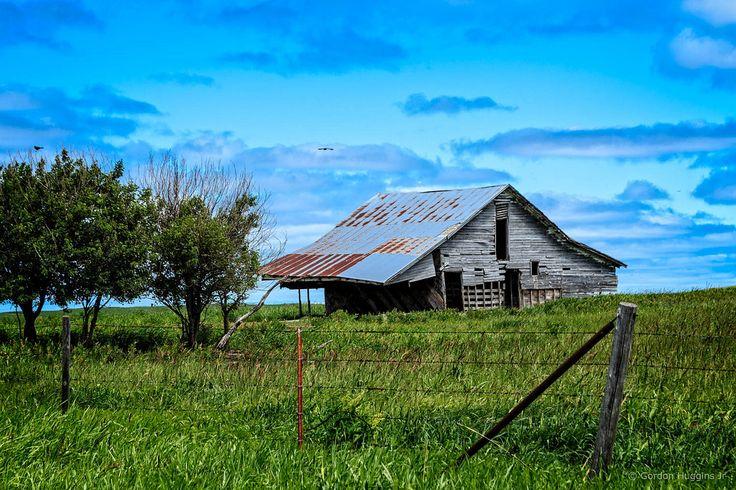 https://flic.kr/p/TStRN8 | barn on Drummond Ranch