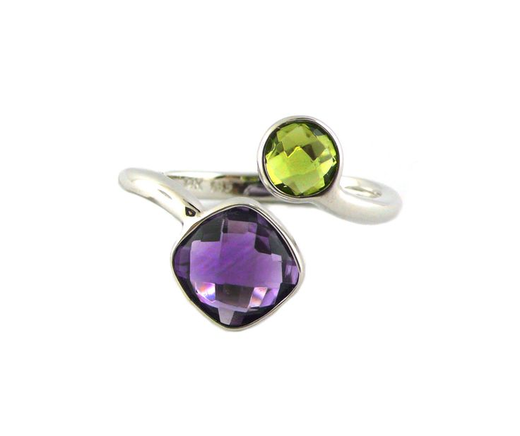 An 18ct White Gold, Peridot and Amethyst Two-Stone Ring