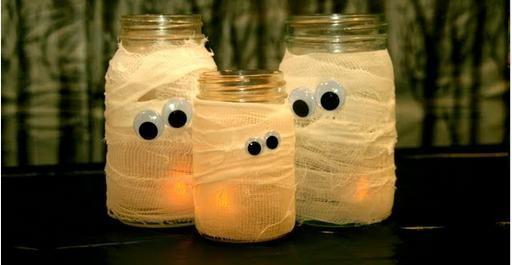 diy / Halloween Deko Kerzengläser basteln - http://schoenstricken.de/2012/10/diy-halloween-deko-kerzenglaeser-basteln/