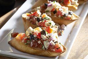 Vous planifiez une réception ou cherchez une idée de bouchées? Ces amuse-gueule faciles à préparer au fromage et aux épinards voleront la vedette!