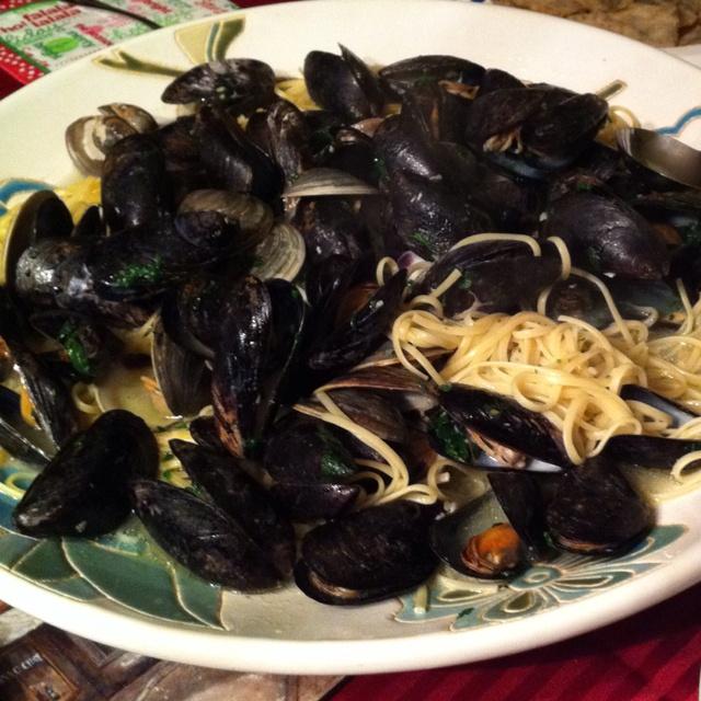 Mussels and SpaghettiSpaghetti, Mussels, Food