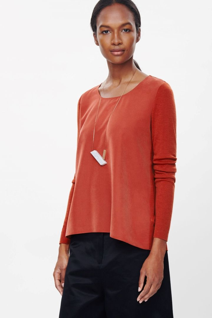 Top with contrast panel