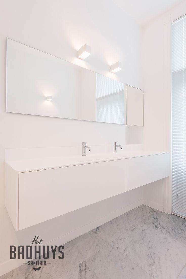 25 beste idee n over badkamer inrichting op pinterest moderne badkamer modern for Idee betegelde toiletruimte
