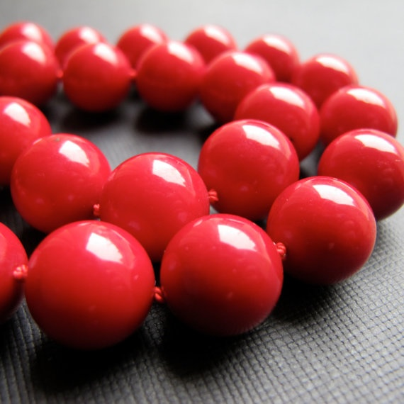 chunky bamboo coral necklace
