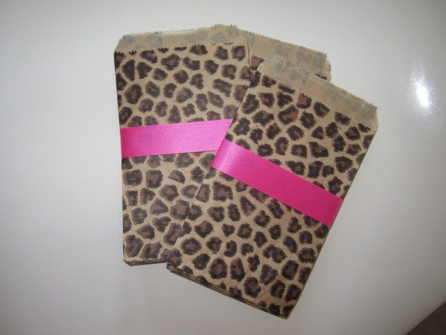 Set of 20 LEOPARD PRINT Party BAGS. $5.00, via Etsy. for the candy table!