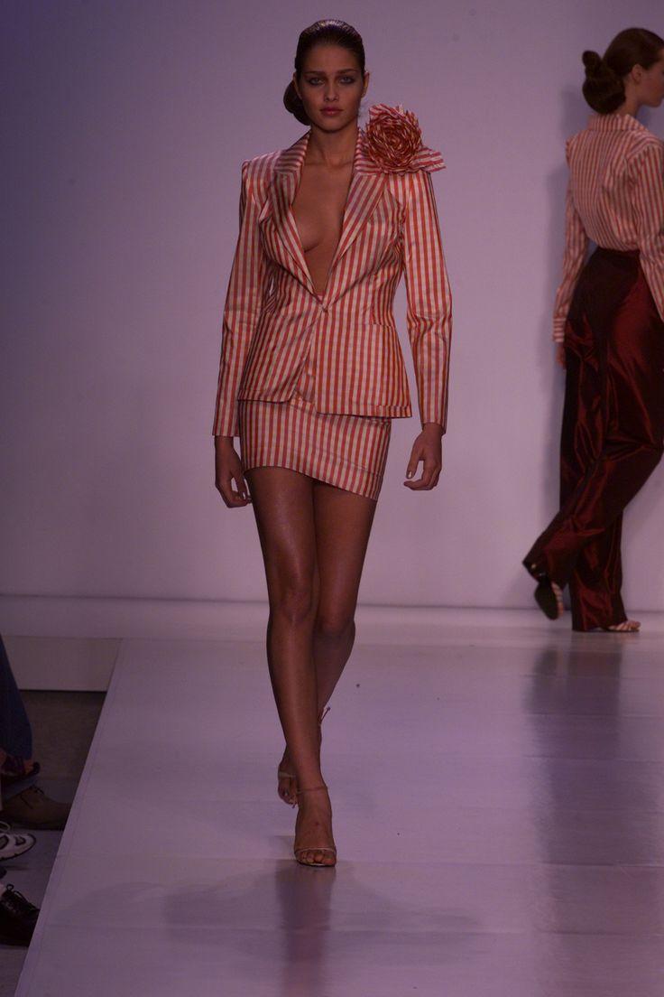 Zang Toi at New York Fashion Week Spring 2001