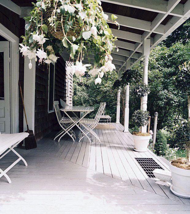 white porch floor | Calm White Porch with Wooden Floor Design: Calm White Porch with ...