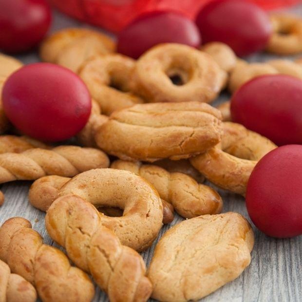 Πασχαλινά κουλουράκια: Η πιο εύκολη συνταγή που πετυχαίνει πάντα!