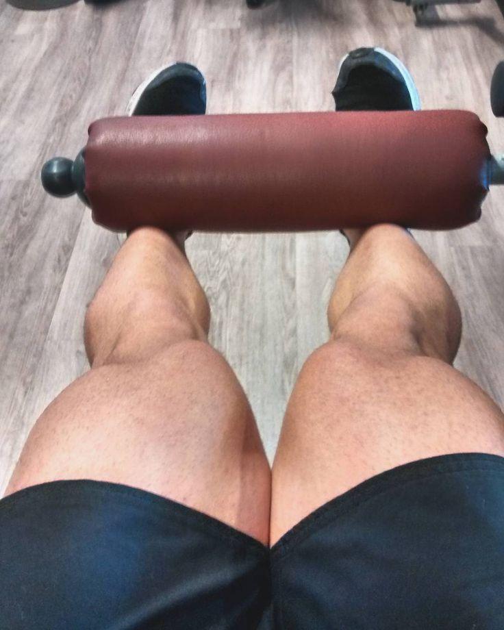 En #Instagram: El día de piernas siempre es el más duro. Después de hacer sentadillas zancadas empuje de cadera y peso muerto las extensiones de pierna las recibo como agua de mayo . . #me #hard #exercise #legday #gym #hardwork #workout #lifestyle #fitness #bodybuilder #healthy #crossfit #fitfam #sport #healthylife http://ift.tt/2hgLT67