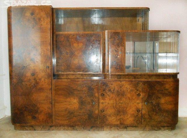 Prodám starý prostorný sekretář v zachovalém stavu - obrázek číslo 1
