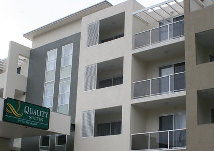 Exterior View of Quality Suites Pioneer Sands #wollongong #nsw #travel