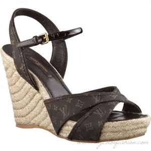 Must.  have. these. LV. sandals!