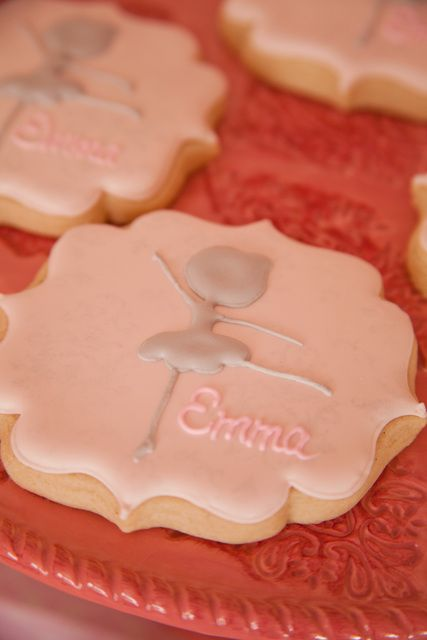 Ballerina cookies | CatchMyParty.com