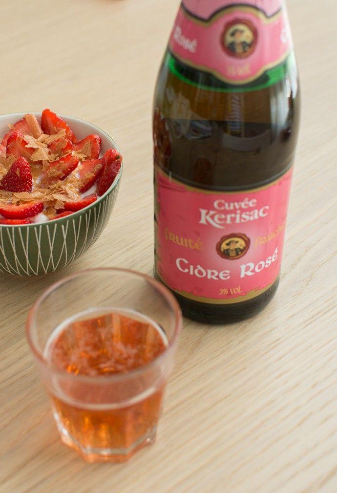 Une Geekette En Cuisine - Un goûter breton et girly : fraises, coco, et cidre rosé !