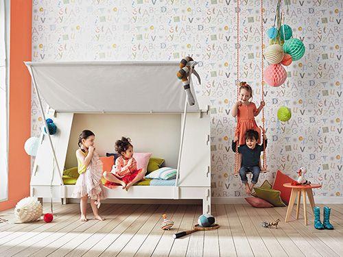 Παραμυθένιο παιδικό δωμάτιο: Τα παιδιά χρειάζονται έναν χώρο για να αισθάνονται άνετα, να μπορούν να παίξουν, να χαλαρώσουν και να αναπτύξουν τη φαντασία τους. Γι' αυτό το παιδικό δωμάτιο είναι σημαντικό να έχει όλα τα χαρακτηριστικά που θα τους επιτρέψουν να αναπτυχθούν γεμάτα χαρά. Εμπνευστείτε από τις προτάσεις μας και επιλέξτε εκείνη που ταιριάζει στο δικό σας παιδί.
