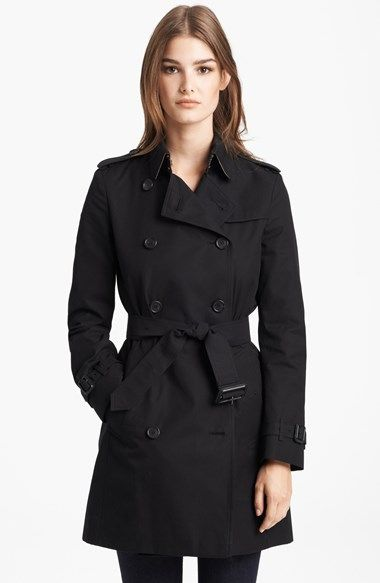 Free shipping and returns on Burberry London 'Buckingham' Double Breasted Trench Coat at Nordstrom.com. A quintessential trench is classically styled with a double-breasted placket, belted cuffs, storm flap and figure-defining belt. Pop the collar to reveal a swath of Burberry's iconic check fabric.