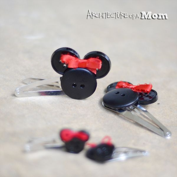 Really easy to make Minnie Mouse Hair clips - three black buttons and red ribbon. Super cute!