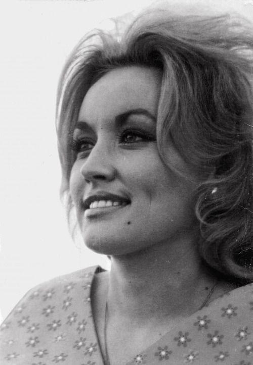 Dolly Parton was freaking gorgeous...