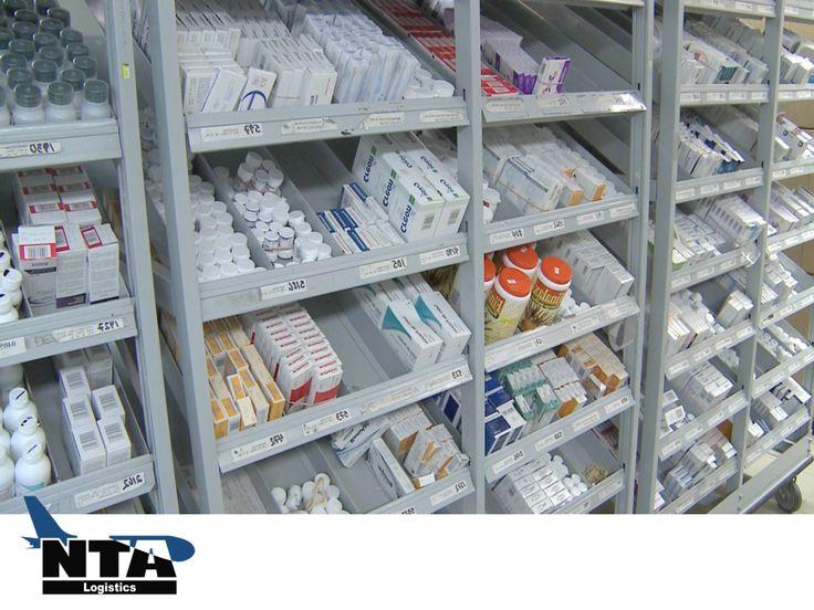 TRANSPORTE LOGÍSTICO DE MEDICAMENTOS. El mercado mundial de la industria farmacéutica tiene un valor de 30,000 millones de dólares. Las empresas en este sector, no se pueden permitir perder competitividad ante la rápida demanda de salud de la población. En NTA Logistics, le ayudamos a diseñar estrategias logísticas para su empresa farmacéutica en México.  #NTALogistics www.ntalogistics.net