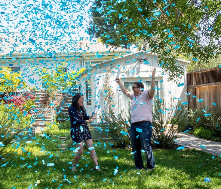 Gender Reveal Confetti Cannon - pink or blue which will it be? Exciting confetti cannon for gender reveal announcements - new moms and dads.
